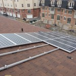 On the roof, the array takes shape.